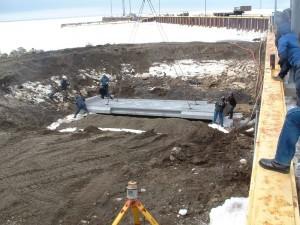 Mise en place des sections de rampe préfabriquées