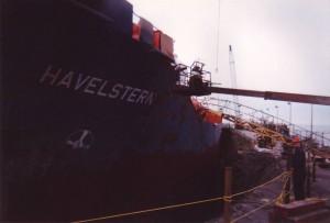 Nettoyage au jet de sable chantier Maritime Verreault Navigation
