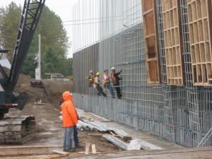 Mise en place de l'acier d'armature des murs